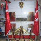 Atatürk köşeleri Atatürk maskı Atatürk büstü Atatürk sülieti